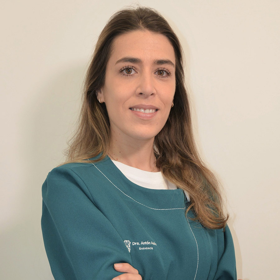 Raquel Anton Endodoncia